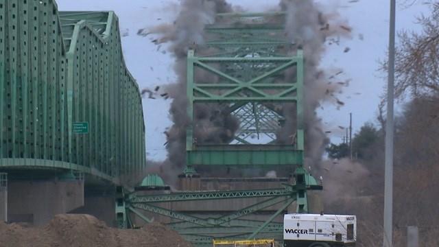 Boone Bridge demolition (KMOV)