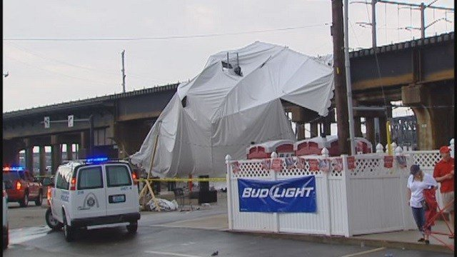 Scene after tent blew away & collapsed outside Kilroy's Sports Bar (Credit: KMOV)