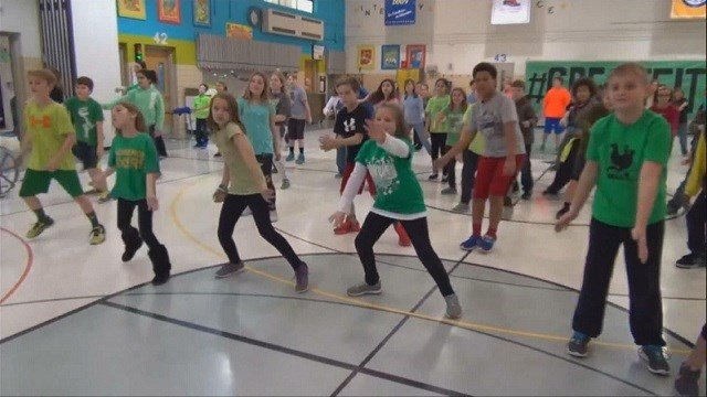Students perform the new exercise routine in their video. (Credit: Crestwood Elementary School)