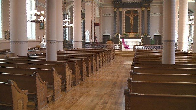 Interior of St. Louis' Old Cathedral (Credit: KMOV)