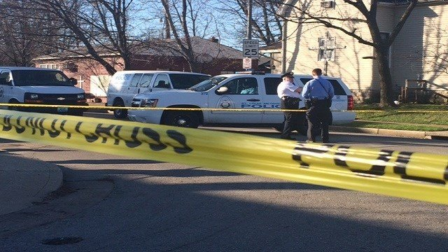 Scene of 3 teens shot in drive-by shooting at bus stop in north St. Louis (Credit: Nick Zervos KMOV)