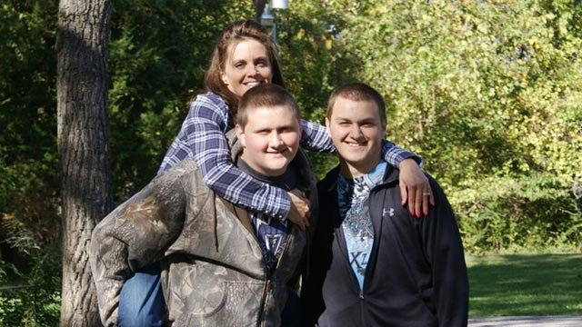 Cole (L), Blake (R) and Gina (Credit: Family photo)