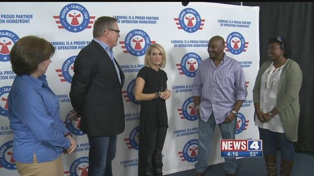 Singer Carrie Underwood surprised a St. Louis military family before her concert Friday (Credit: KMOV)