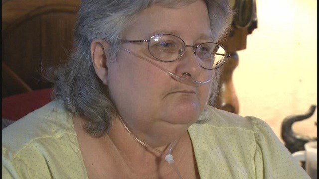 Teresa Huskey fears her electricity will be shut off, needs oxygen machine to breathe (Credit: KMOV)