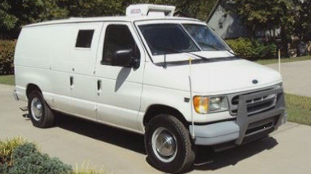 White van that could be used for mobile gun storage(Credit: KMOV / Justin Hulsey)