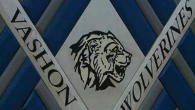 Vashon High School sign (Credit: KMOV)