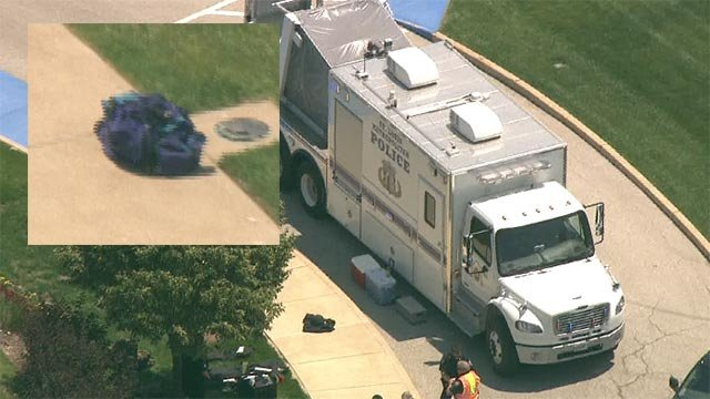 Skyzoom 4 was over the scene after suspicious packages found at Mercy Hospital (Credit: KMOV)