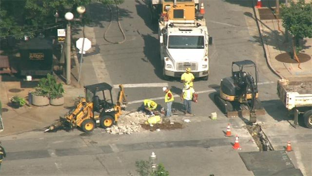 Crews worked to repair a natural gas line rupture in the Central West End (Credit: KMOV)