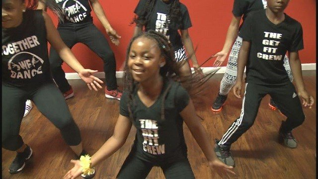 Get Fit Crew learning to dance hip hip and about their health (Credit: KMOV).