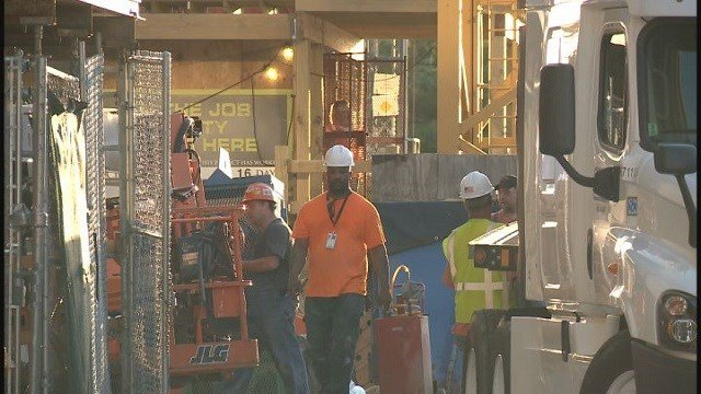 Construction workers on site at Barnes Jewish Hospital (Credit: KMOV)