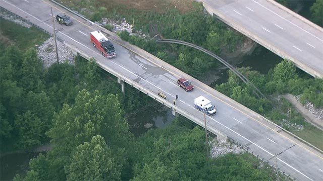 One person was killed after a vehicle left the northbound lanes of Highway 367 near New Jamestown Road (Credit: KMOV)