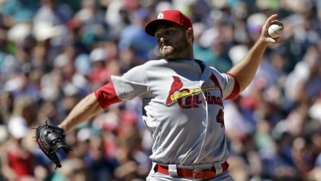 St. Louis Cardinals' Kevin Siegrist throws in relief against the Seattle Mariners in a baseball game Sunday, June 26, 2016, in Seattle. (AP Photo/Elaine Thompson)