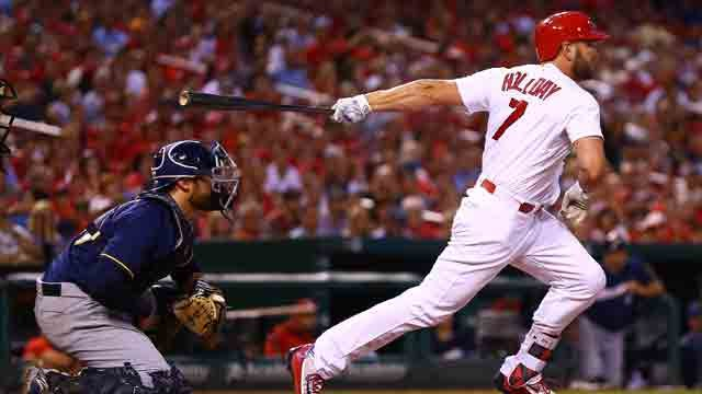 ST. LOUIS, MO - JULY 1: Matt Holliday #7 of the St. Louis Cardinals hits a two-RBI single against the Milwaukee Brewers in the fourth inning at Busch Stadium on July 1, 2016 in St. Louis, Missouri. (Photo by Dilip Vishwanat/Getty Images)