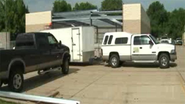 Construction of O'Reilly Auto Parts in Dellwood (Credit: KMOV)