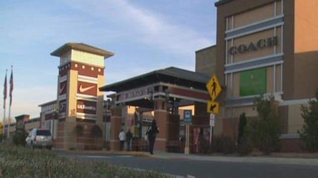 The Premium Outlet Mall (Credit: KMOV)