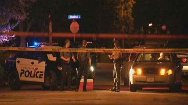 A Carbondale police officer was shot in the 700 block of North Robert A. Stalls Street Sunday night (Credit: KMOV)