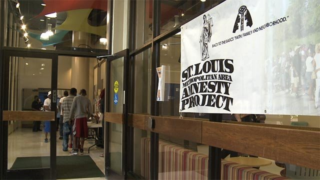 Amnesty Day at the Meramec Campus of St. Louis Community College in 2016. (Credit: KMOV)