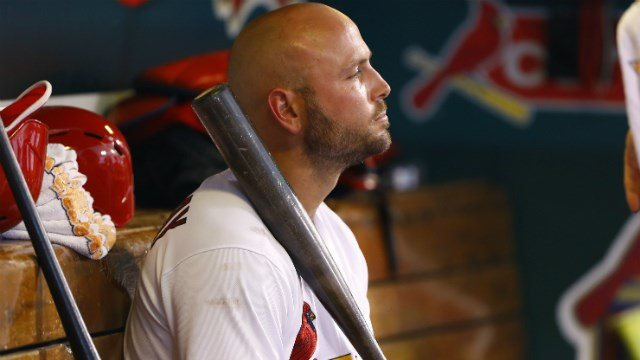 Cardinals slugger Matt Holliday breaks right thumb on HBP
