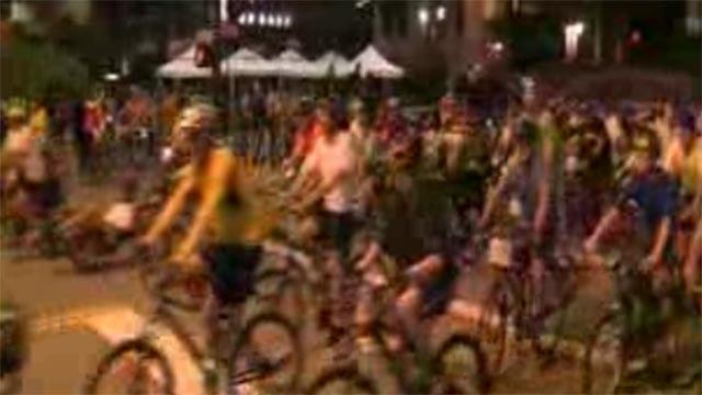 Moonlight Ramble bike ride (Credit: KMOV)