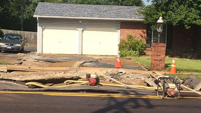 Contractors struck a 20-inch water main on McKelvey in Maryland Heights (Credit: Mark Griffin / KMOV)