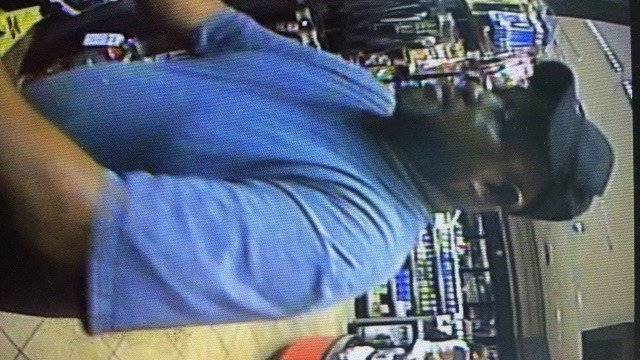 Police searching for suspect who purchased $1,900 with stolen credit card (Credit: Town and Country PD)
