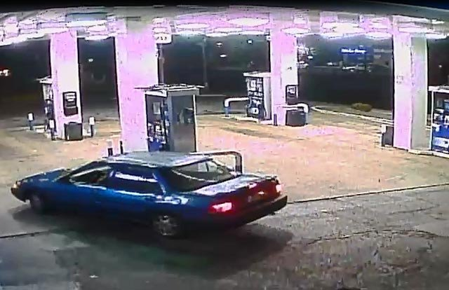 Vehicle suspect was last seen entering (Credit: St. Louis County Police Department)