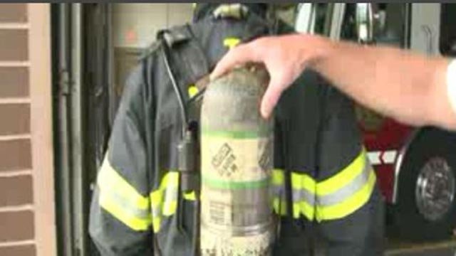 An air pack on an Alton firefighter (Credit: KMOV)