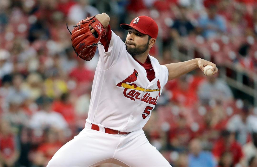 St. Louis Cardinals starting pitcher Jaime Garcia throws during the first inning of a baseball game against the Pittsburgh Pirates, Wednesday, July 6, 2016, in St. Louis. (AP Photo/Jeff Roberson)