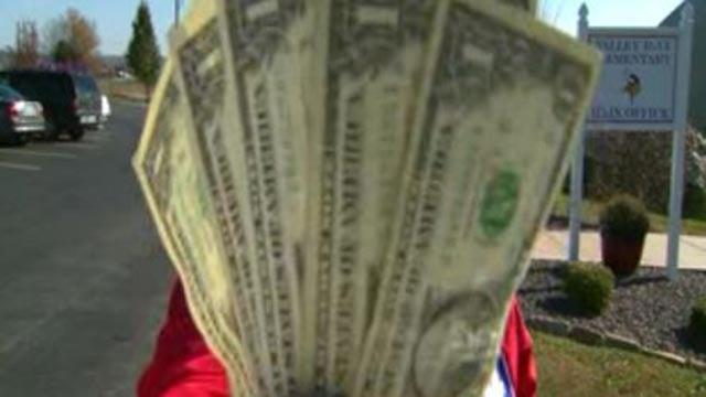 Money (Credit: KMOV)