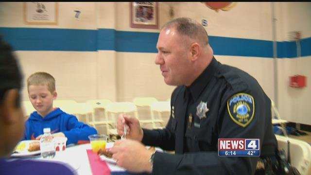Students at McKelvey Elementary thanked first responders Friday by serving them breakfast. Credit: KMOV