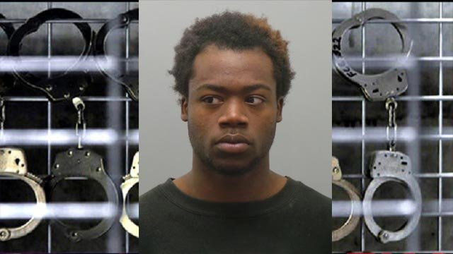 Shaquan Smith is accused of kidnapping a 13-year-old girl (Credit: St. Louis County Police)