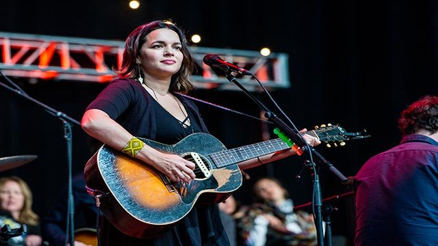 Norah Jones performs at the 30th Annual Bridge School Benefit Concert at the Shoreline Amphitheater on Sunday, Oct. 23, 2016, in Mountain View, Calif. (Photo by Amy Harris/Invision/AP)