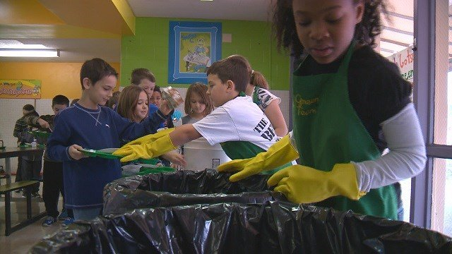 Earthways Center is teaching kids about recycling from a young age. (Credit: KMOV)