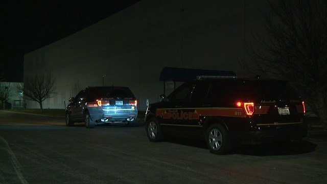 Edwardsville police on scene of a fight Thursday morning (KMOV)
