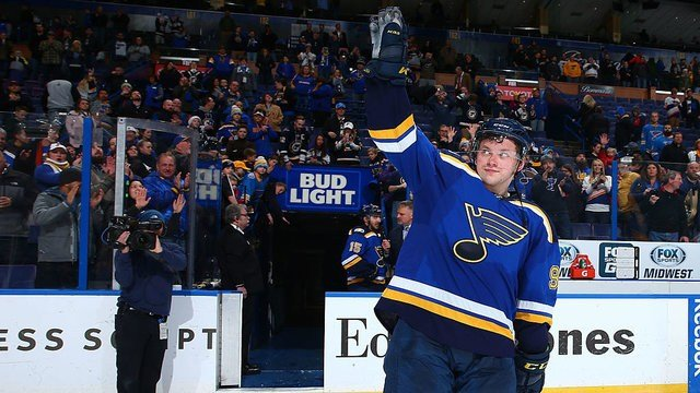 ST. LOUIS, MO - DECEMBER 15: Vladimir Tarasenko #91 of the St. Louis Blues acknowledges the crowd after beating the New Jersey Devils at the Scottrade Center on December 15, 2016 in St. Louis, Missouri. (Photo by Dilip Vishwanat/ Getty Images)