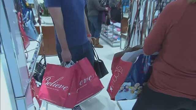 Shoppers. Credit: KMOV