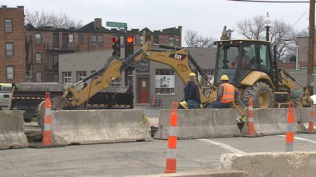 "A construction project by MSD in downtown Maplewood has been inconvenient for residents and business. Credit"" KMOV"