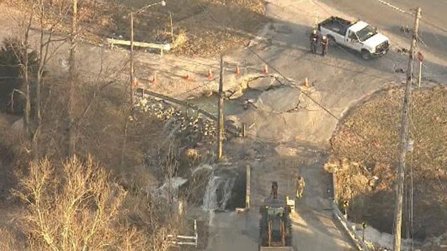 A water main break at 161 and Old Caseyville in Belleville (Credit: KMOV)