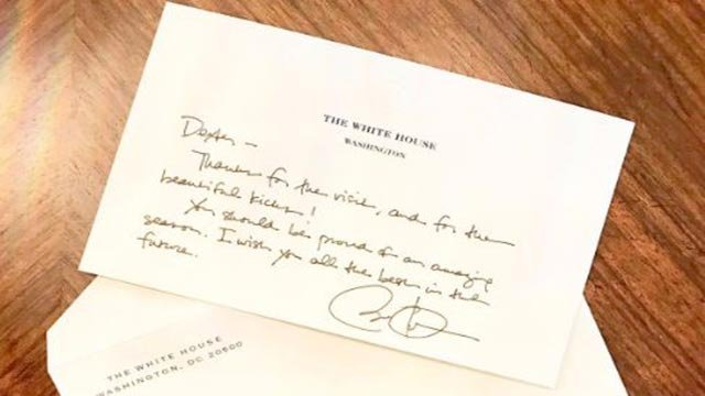 Dexter Fowler tweeted this picture of a note from former President Barack Obama (Credit: Dexter Fowler / Twitter)