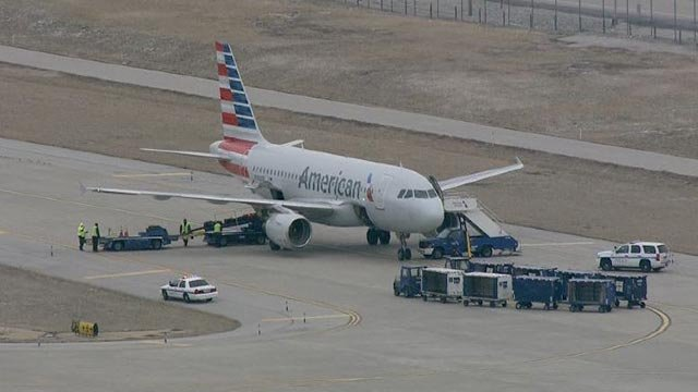 Skyzoom 4 over American Airlines flight 534 after was diverted to St. Louis (Credit: KMOV)
