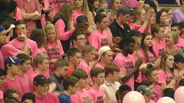 Hundreds wore pink to support Collinsville High School math teacher Kelley Liljergen, who has cancer. Credit: KMOV