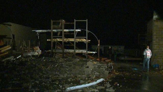 Storm damage in Wentzville Tuesday morning (Credit: KMOV)