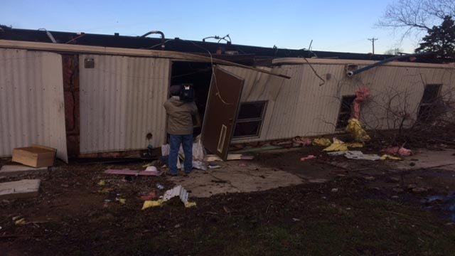 A mobile home overturned in Wentzville (Credit: Justin Andrews / News 4)