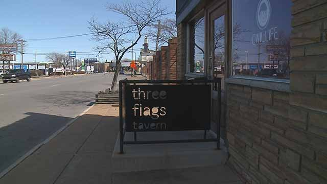 The owner of Three Flags Tavern says work on the Kingshighway bridge has forced him to shut the restaurant down. Credit: KMOV