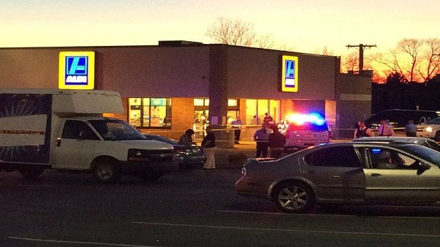 The outside of the Aldi store (Credit: KMOV)