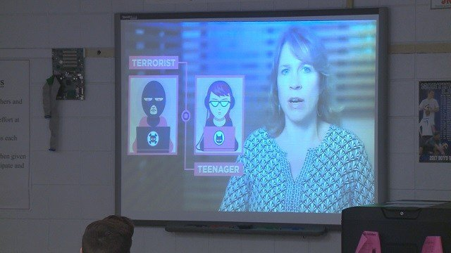 Administrators at Valley Middle School in House Springs are teaching 6th graders a new class on the internet safety. (Credit: KMOV)