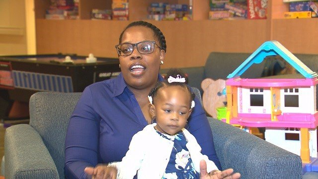 Azaria Lumpkins and her mother Martha Williams. (Credit: KMOV)