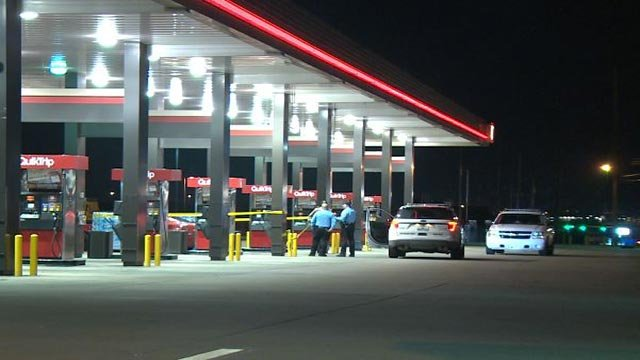 Police at the QuikTrip in Bridgeton after two shooting victims arrived Monday morning (Credit: KMOV)