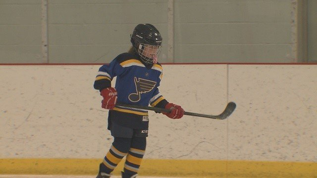 St. Louis Blues pushing for all-girls hockey team. (Credit: KMOV)