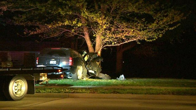 An SUV crashed into a tree at Feise Road near Du Vall Court overnight (Credit: KMOV)